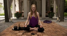 Julianne Moore in Maps to the Stars (Photo courtesy of eOne Entertainment)