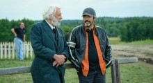 Donald Sutherland and Jon Cassar on the set of Forsaken